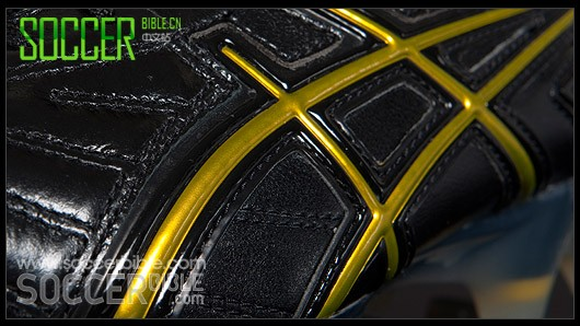 Asics Lethal Tigreor 3 足球鞋-黑/黑/黄配色