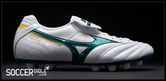 The Mizuno Morelia rivals the biggest boots when it comes to delivering  excellent comfort and performance, as the super-soft kangaroo leather upper  gives a ...