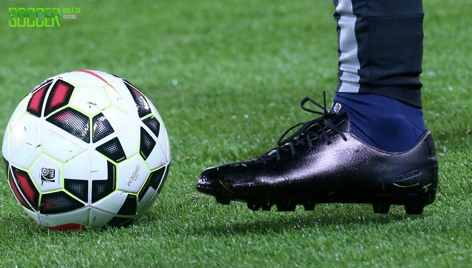 伊布拒绝阿迪达斯和耐克 足球鞋 其它足球鞋 足球鞋