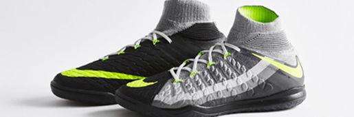 Air Max风格小场FootballX系列足球鞋