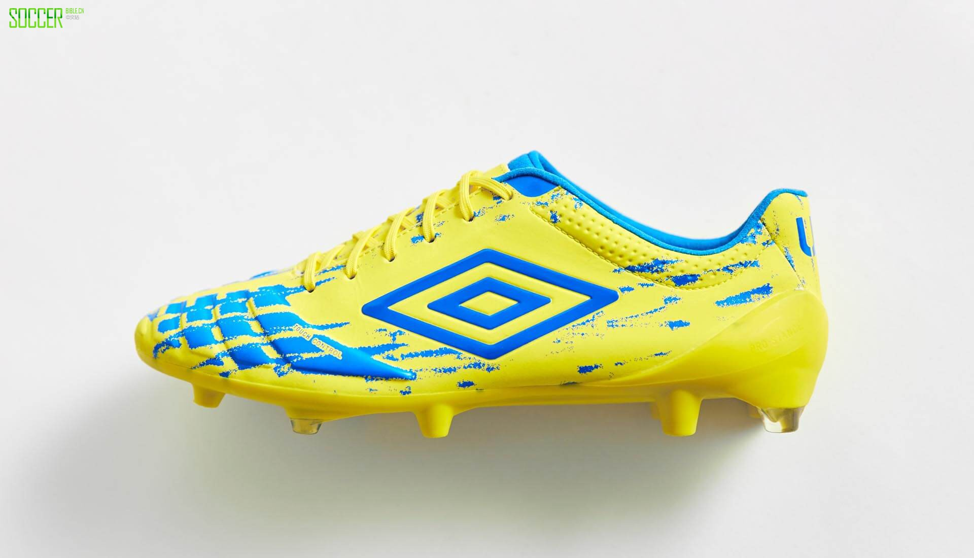 umbro-ux-accuro-yellow-4