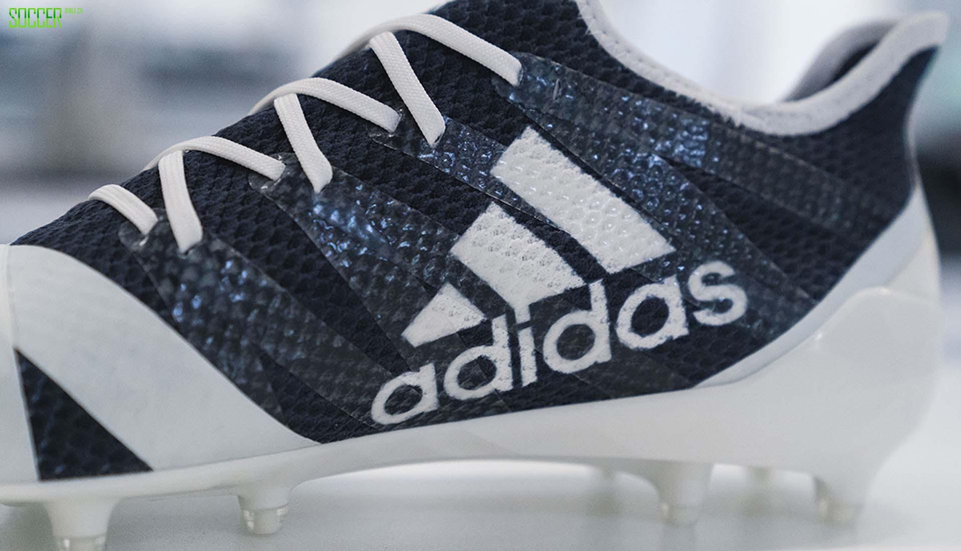 阿迪达斯推出数字化设计的AM4MN NFL足球鞋