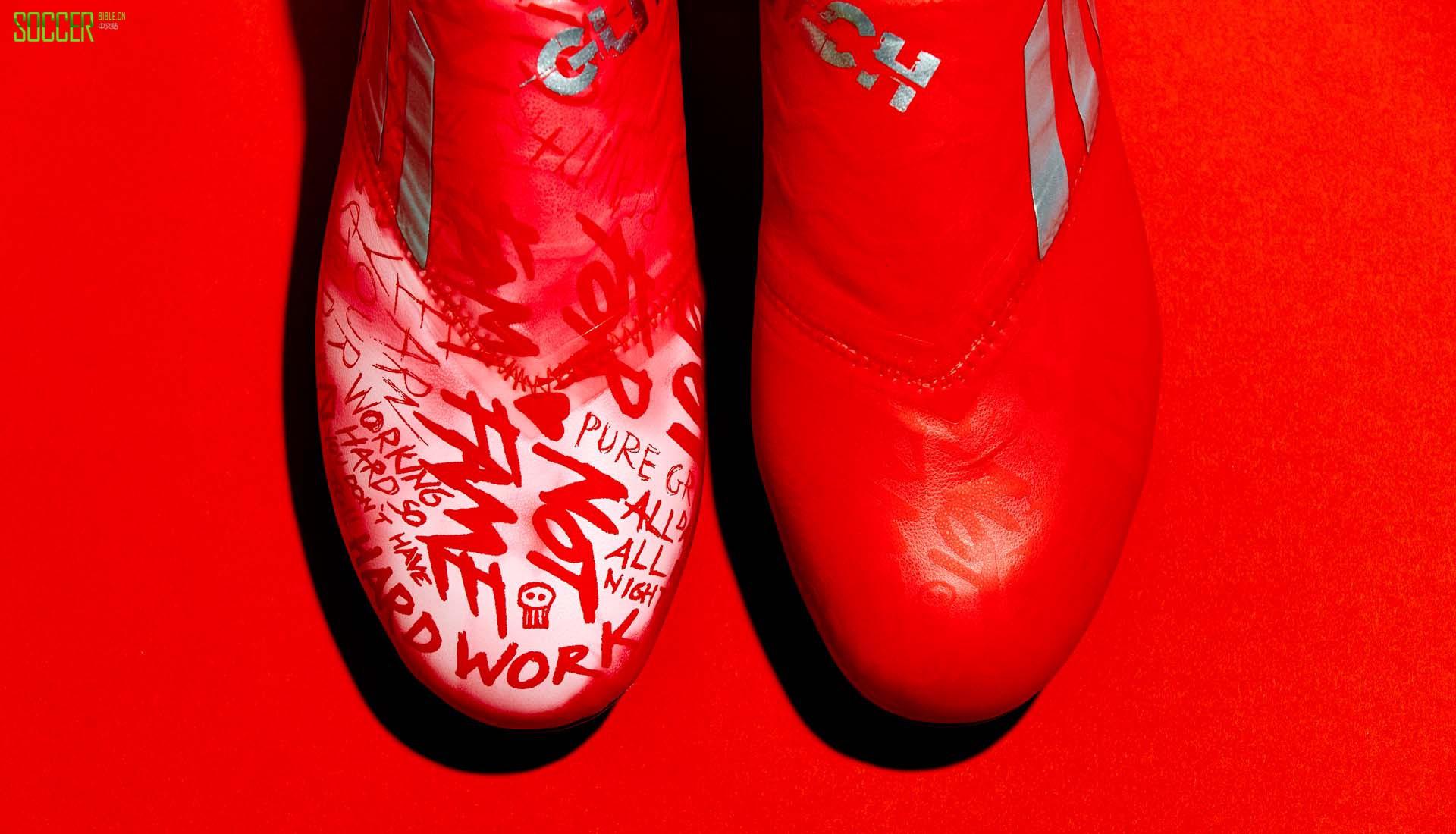 """阿迪达斯推出Glitch 18全新""""Prep Skins""""外靴"""