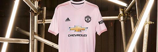 曼联18/19赛季淡粉色客场球衣