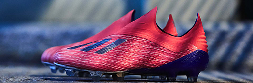 """阿迪达斯""""敢秀套装""""X 18+足球鞋"""