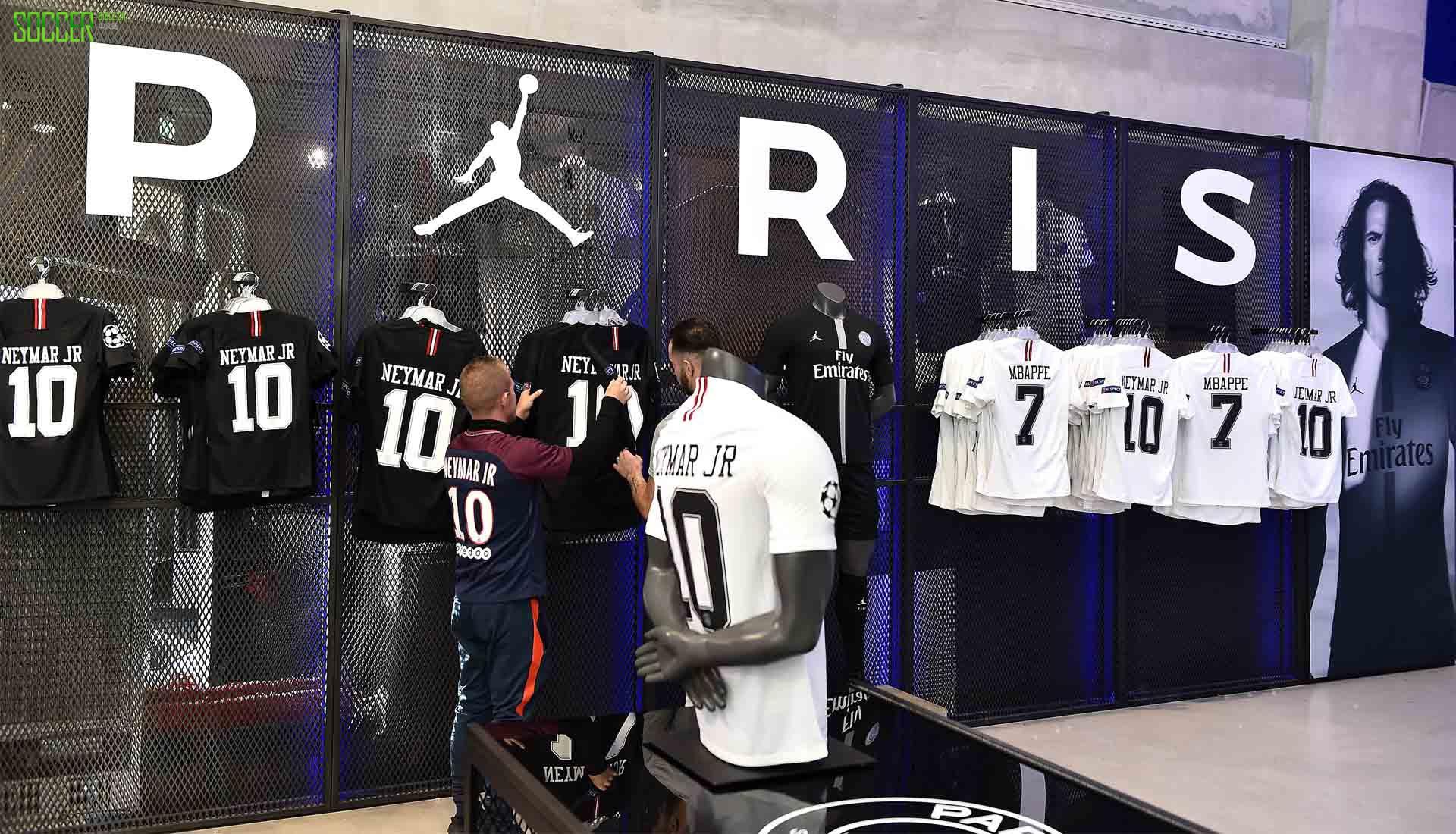 大巴黎球衣销量破百万 不愧是耐克亲儿子