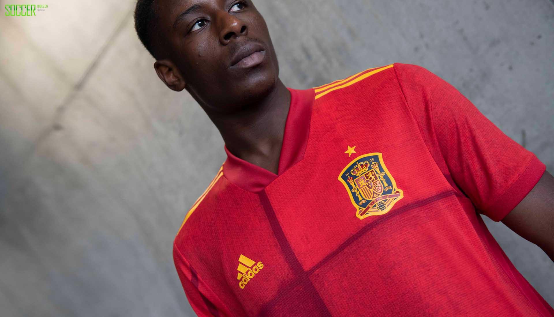 阿迪达斯发布西班牙2020主场球衣