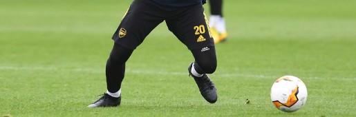 穆斯塔菲在训练中穿着未发布的耐克黑色球鞋